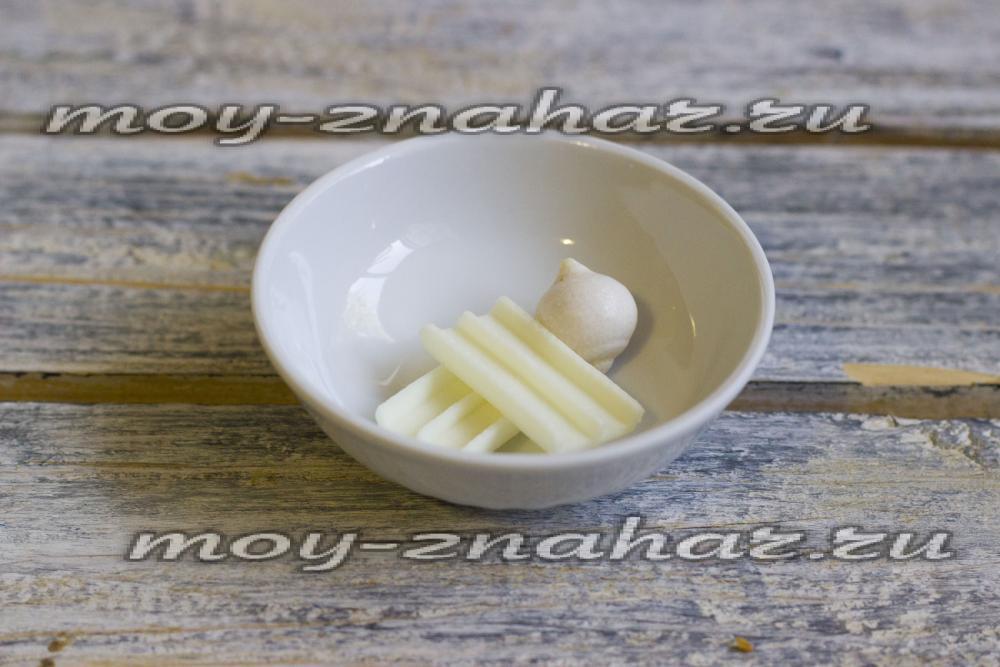 Как сделать помаду без вазелина из конфет с соком